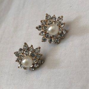 Elegant Pearl and Diamond earrings
